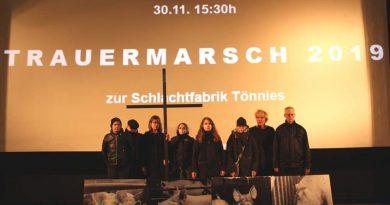 Trauermarsch vom Bahnhof Rheda zur Schlachtfabrik Tönnies am 30.11.2019 um 15:30 Uhr